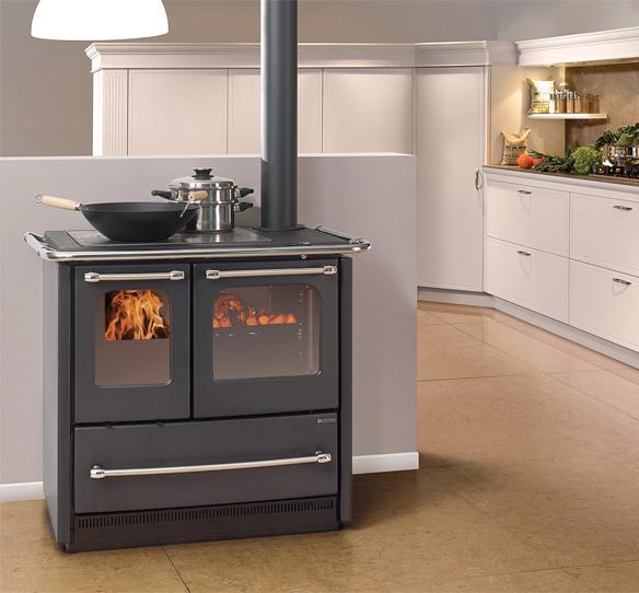 Cucina a legna con forno SOVRANA EASY di La Nordica Extraflam ...